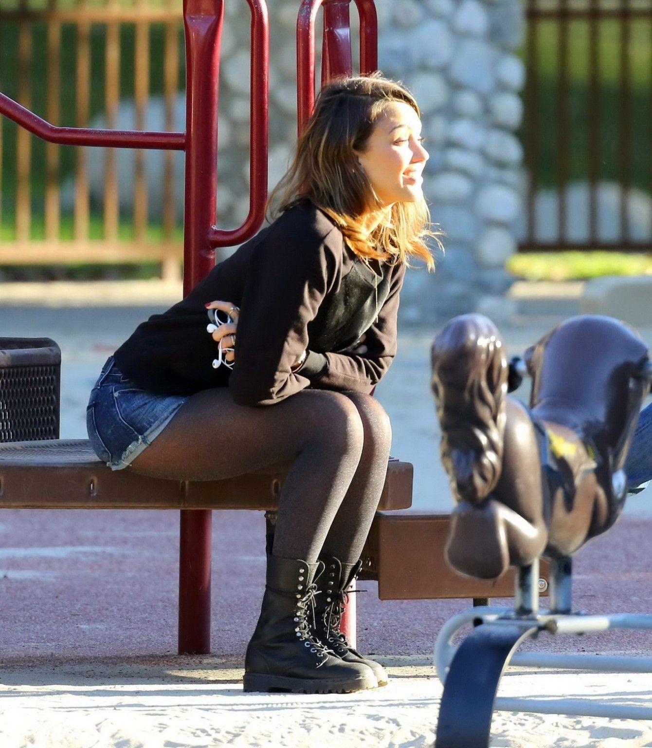 Jessica alba and pantyhose