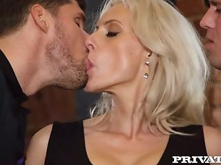 Best sex threesomes kissing and fucking