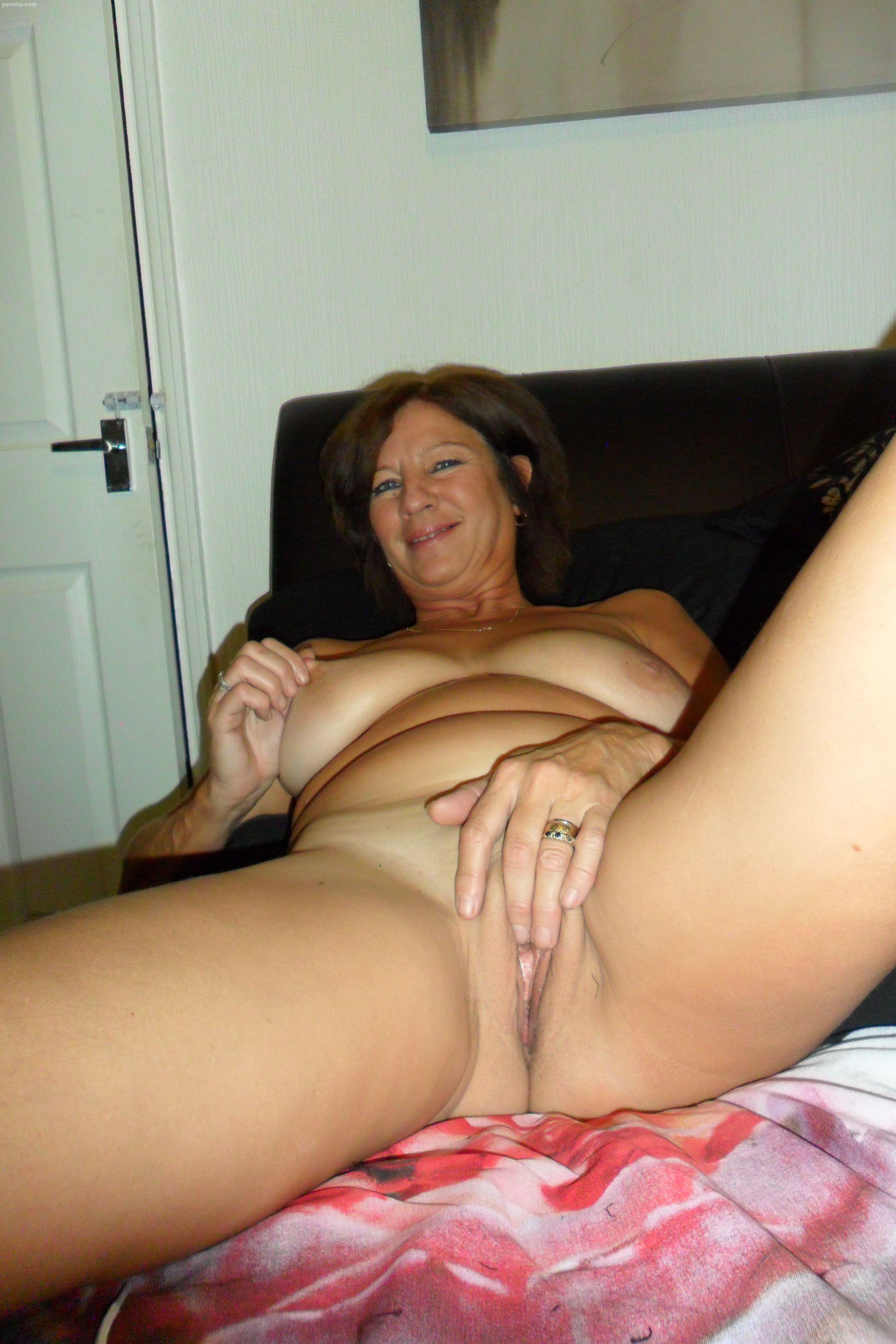Nude sexy milf Naked MILF