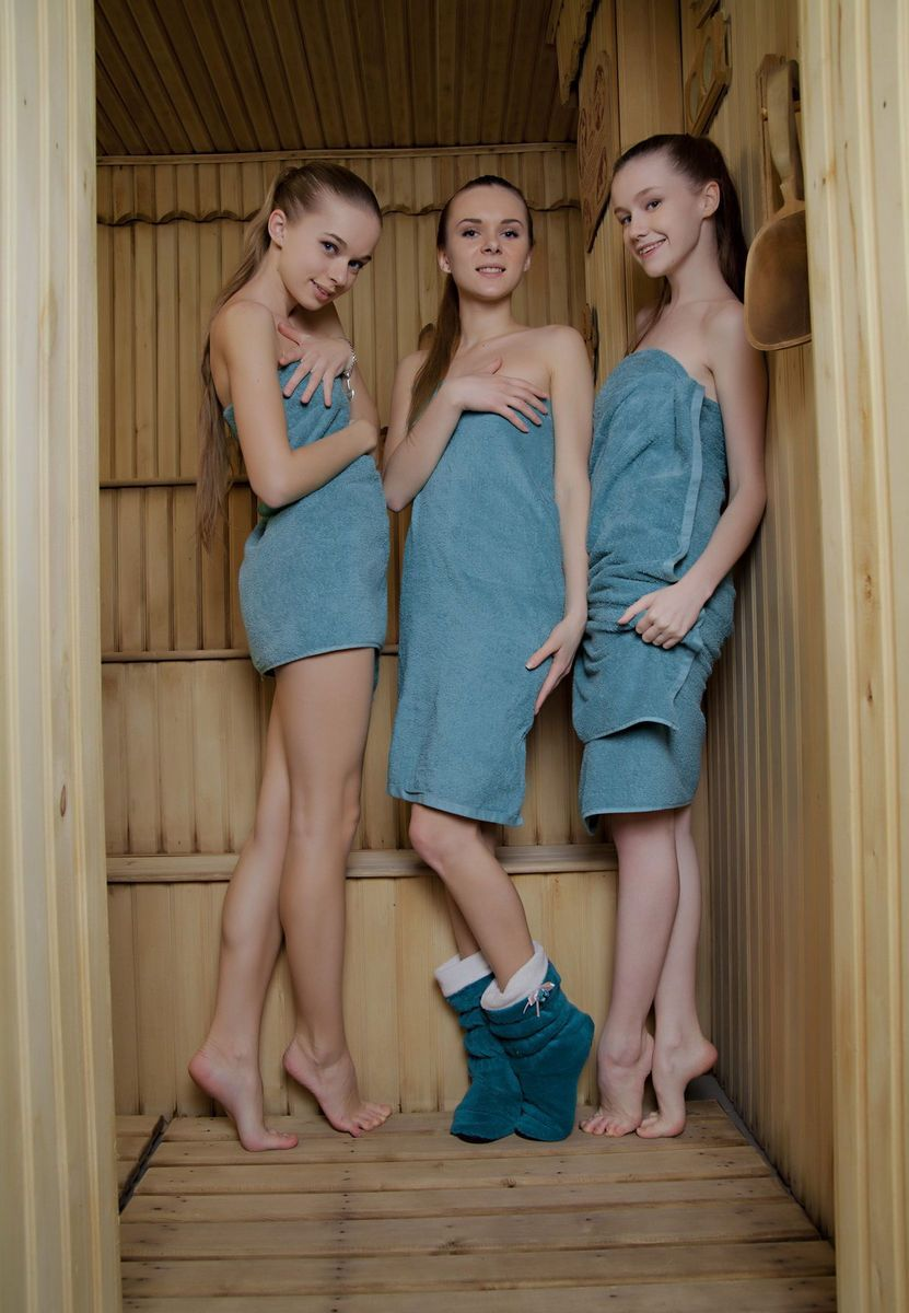 Girl nude sauna Sauna